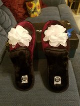 Womens Velvet Slippers in Fort Campbell, Kentucky