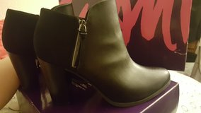 ankle boots size 11 in Vacaville, California