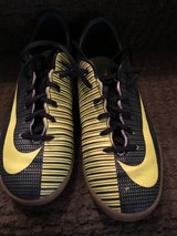 Soccer shoes indoor 4.5 Y in Orland Park, Illinois
