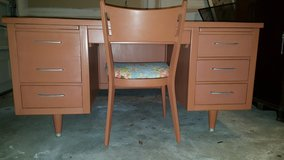 Antique Desk and Chair in Quantico, Virginia