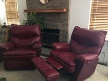 2 Overside Recliners in Algonquin, Illinois