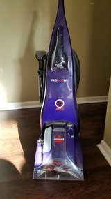 Like new Carpet shampooer with pet attachment in Hinesville, Georgia