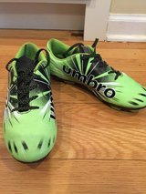 Boys size 2 Soccer Shoes in Chicago, Illinois
