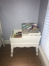 End table - side table in Spring, Texas