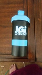 Case of 72: 14 oz Shaker Bottles w/ Storage Jar / Pill Box in Cleveland, Texas