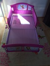 Frozen toddler bed Anna and Elsa in Los Angeles, California