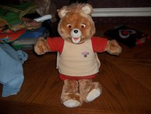 1985 Teddy Ruxpin    comes with 2 tapes-2 books and a raincoat in Warner Robins, Georgia