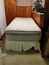 Sleep Number iLE Dual Air Limited Ed Twin Mattress with remote 1+ year old in Naperville, Illinois