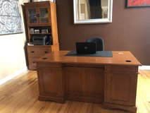 Beautiful grand solid wood desk in Naperville, Illinois