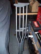 CRUTCHES in Glendale Heights, Illinois