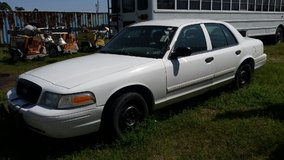 2009 crown vic in Navasota, Texas