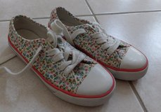 Girls sneakers size 13 in Plainfield, Illinois