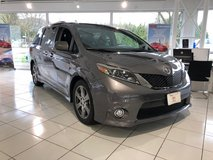 2017 Toyota Sienna SE reduced by $2500!!! in Ramstein, Germany
