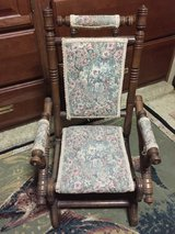 East lake Platform rocker small, perfect decorator piece. in Beaufort, South Carolina