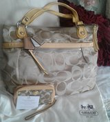 Authentic Coach Tote & Purselette in Fort Campbell, Kentucky