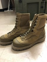 Boots size 5.5 in Camp Pendleton, California