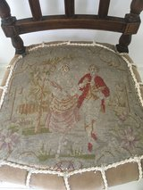 antique chair needlepoint gobelin Marie Antoinette shabby chic in Ramstein, Germany