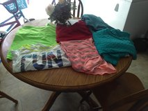 Women's size large clothes in Fort Campbell, Kentucky