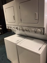 24 inch stackable electric washer and dryer in Kingwood, Texas