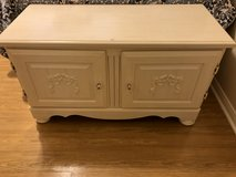 Broyhill Blanket Chest with Matching Nightstand in Kingwood, Texas
