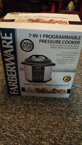 Farberware Pressure Cooker in Columbus, Ohio