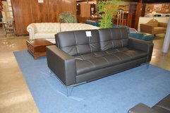 Black Leather Click Back Sofa w/ usb ports/power outlet  Like new in Tacoma, Washington