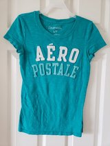 Juniors Size Small Short Sleeve Tops in Naperville, Illinois