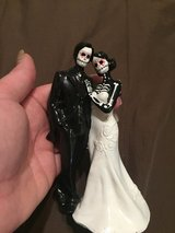 Skeleton Cake topper in Fort Campbell, Kentucky