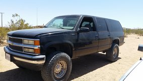 1999 Chevy Suburban in Yucca Valley, California