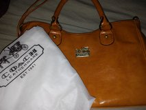 coach hand bag new in Liberty, Texas