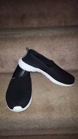 Adidas neo cloudfoam shoes 6 1/2 new in Plainfield, Illinois