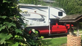 2010 Lance truck camper 1181 in Yorkville, Illinois