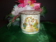 Vintage English BARET WARE Tea Tin Storage Container w/ Woman & Flower Designs in New Lenox, Illinois