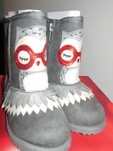 brand new in the box owl boots girls in Fort Belvoir, Virginia