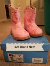 toddler boots new in Fort Leonard Wood, Missouri