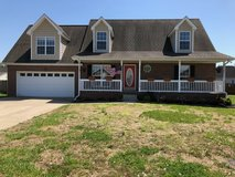 Beautiful 3/4 Bd 2 Bath Home with 2 Car Garage Near I-24 in Fort Campbell, Kentucky
