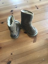 Girls Uggs-size 8 in Westmont, Illinois