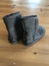 Girls Uggs- chocolate brown  size 9 in Plainfield, Illinois