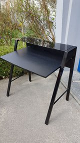 black desk in great condition in Ramstein, Germany