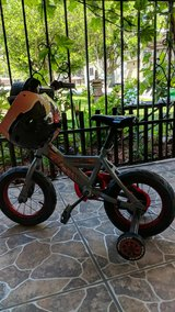 boys bike and helmet like new in The Woodlands, Texas