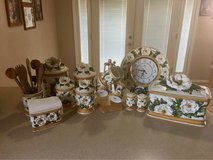 kitchen decor set (over 30 pcs) in Las Cruces, New Mexico