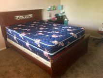 wood queen size frame and mattress set in Las Cruces, New Mexico
