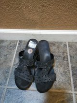 Size 8 dressy shoes in Travis AFB, California