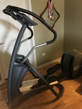 Precor EFX 5.23 Elliptical in Chicago, Illinois