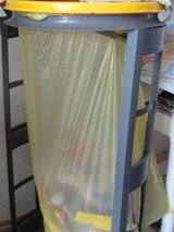 Gelb/Yellow Sack Holder in Ramstein, Germany