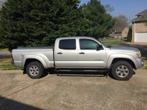 2007 Toyota Tacoma 4wd-$10700 OBO in Fort Campbell, Kentucky