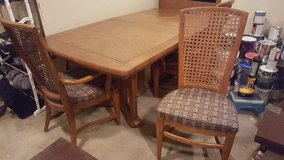 dining room table in Elgin, Illinois
