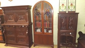 Oak Stained Glass Bookcase/Display Cabinet Free Delivery in Lakenheath, UK