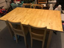Kitchen Table W/ Expandable Leaf + 4 Chairs in Schaumburg, Illinois