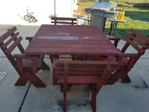 Heavy wood patio set in Chicago, Illinois